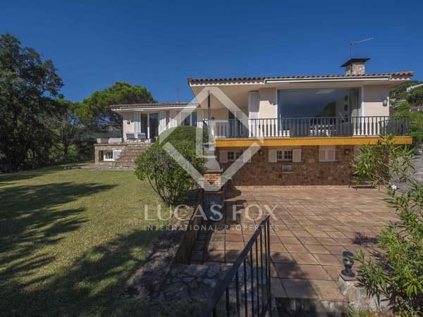 Дом / Вилла 400m² на продажу в Sant Feliu, Коста Брава