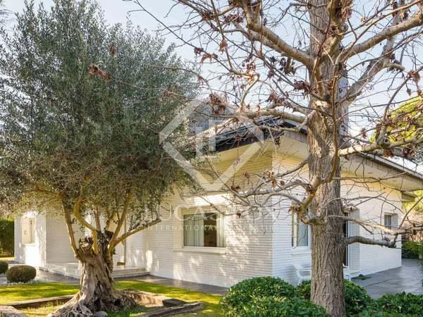 Casa de 602 m² con 1.151 m² de jardín en venta en Bellaterra