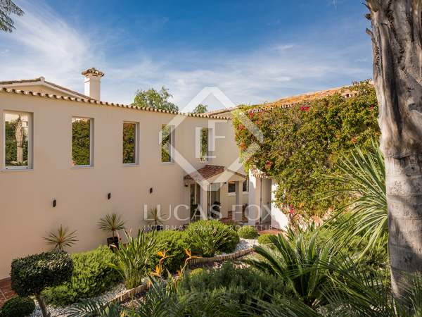 336m² House / Villa with 85m² terrace for sale in San Pedro de Alcántara / Guadalmina