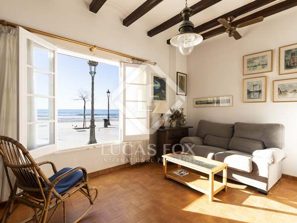 114 m² apartment with 188 m² garden for sale in Sitges Town