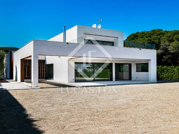 Casa / Villa de 480m² en venta en San Andrés de Llavaneras