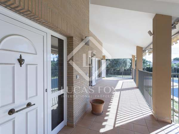 657m² House / Villa with 1,780m² garden for sale in Godella / Rocafort