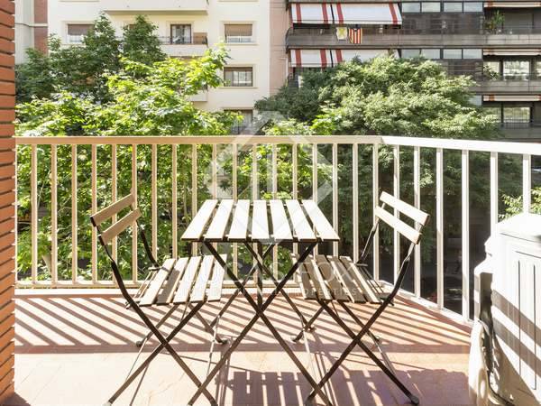 95m² Apartment with 7m² terrace for sale in Eixample Right