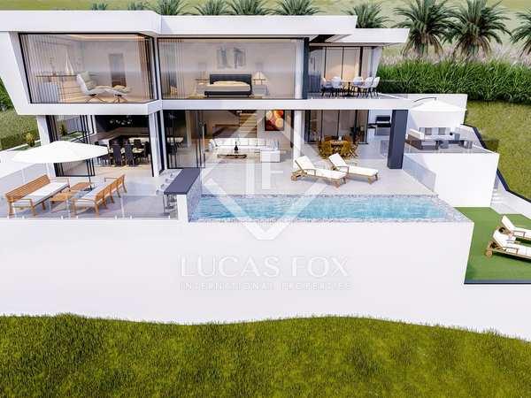762 m² villa with 87 m² garden for sale in Benahavís