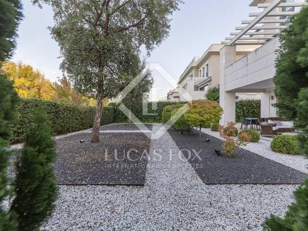 Piso de 120m² con 270m² de jardín en venta en Aravaca