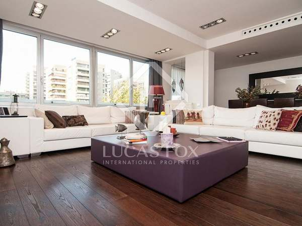 138m² Apartment for sale in Les Corts, Barcelona