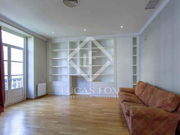 288 m² penthouse with 20 m² terrace for sale, Sant Francesc
