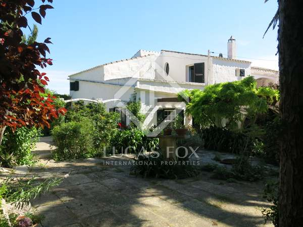 160 m² country house with 3,340m² garden for sale in Menorca