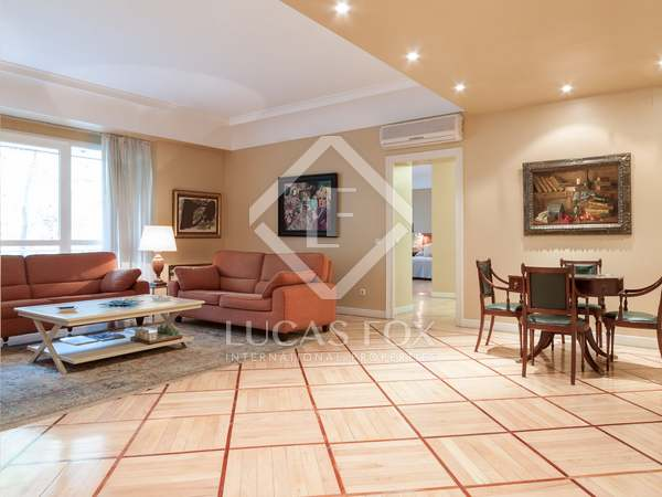 Квартира 438m², 20m² террасa аренда в Монклоа и Аргуэльес
