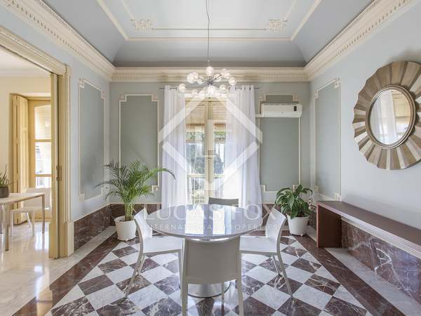 Unique property for rent in a 19th century mansion, Valencia