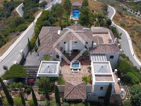 854m² House / Villa with 3,170m² garden for sale in Benahavís