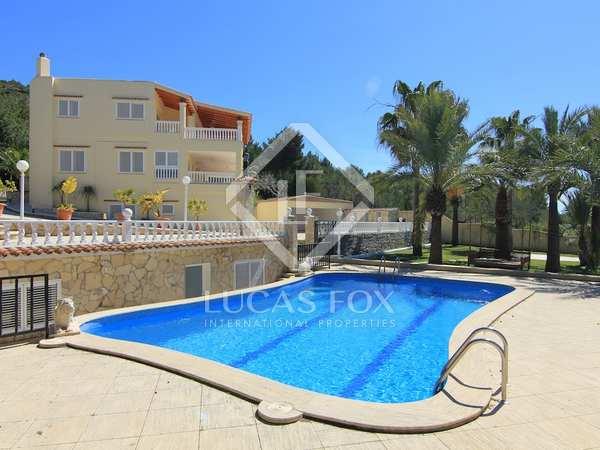 Villa preciosa en venta en Cap Martinet, Jesús, Ibiza