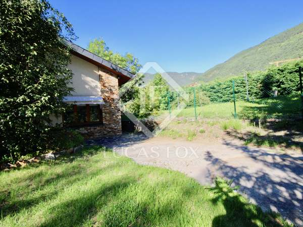 660 m² house with 300 m² garden for sale in Ordino