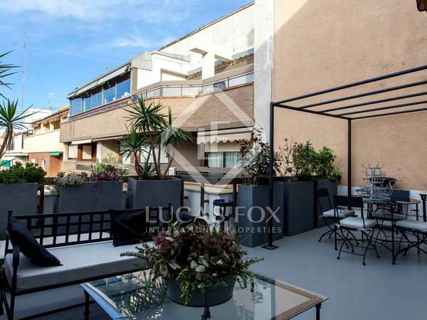 2-bedroom penthouse with terrace for rent in Pla del Real