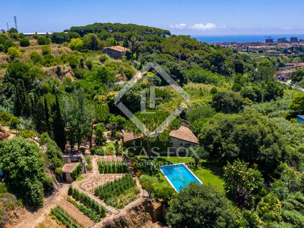 610m² House / Villa for sale in Tiana, Barcelona