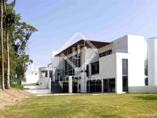 Modern 5-bedroom property to buy near Sintra