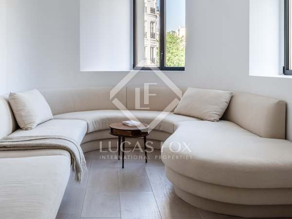 259m² Apartment for sale in Almagro, Madrid