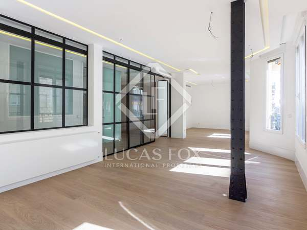 220 m² apartment for sale in Goya, Madrid