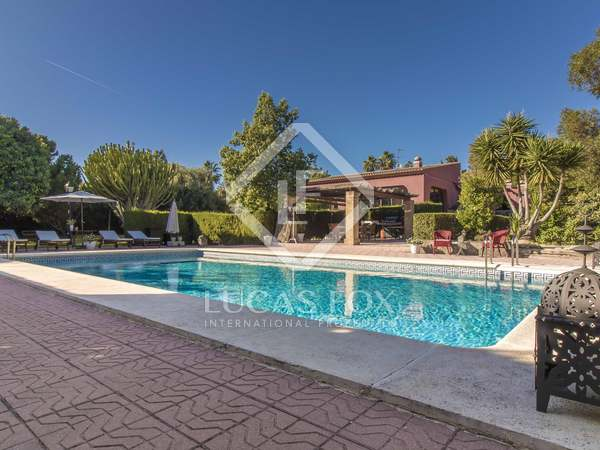 740m² House / Villa with 3,000m² garden for sale in golf