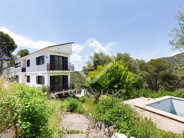 Huis / Villa van 305m² te koop in Bellamar, Barcelona