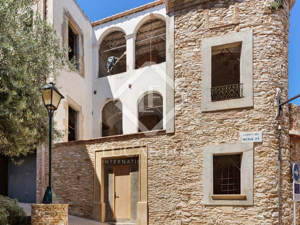 691m² Hus/Villa med 250m² Trädgård till salu i Begur Town