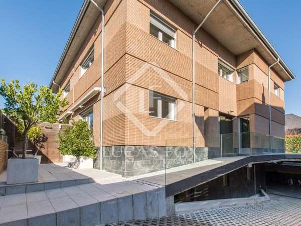 Huis / Villa van 350m² te koop met 140m² Tuin in Pozuelo