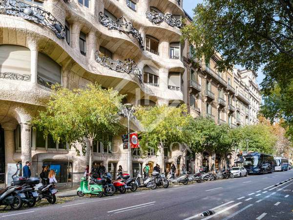 469m² Apartment with 66m² terrace for sale in Eixample Left