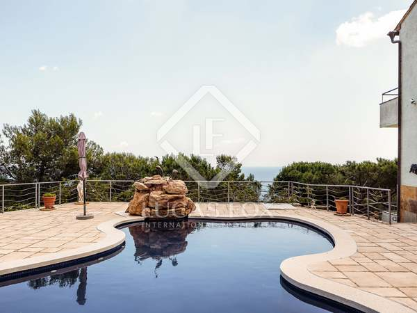 219m² Villa for sale in Tamariu