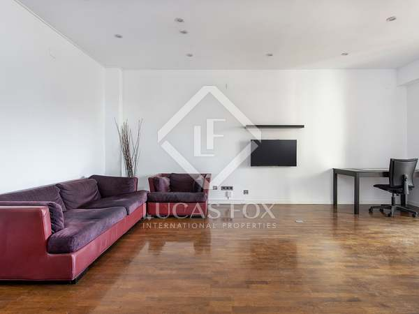 116m² Apartment with 15m² terrace for rent in Les Corts