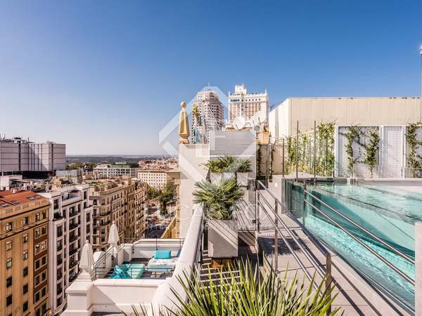 358m² Penthouse with 95m² terrace for sale in Malasaña