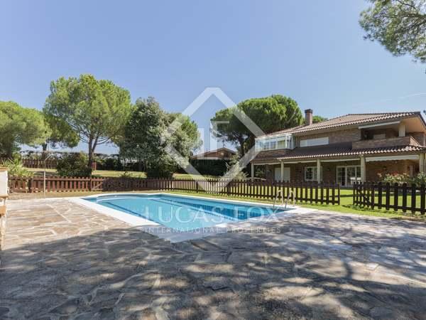 600m² Haus / Villa zur Miete in Pozuelo, Madrid