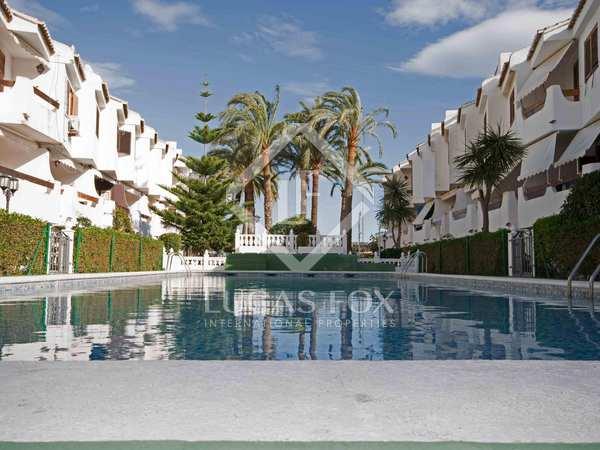 Casa / Villa di 156m² con 14m² terrazza in affitto a El Puig / Puebla Farnals