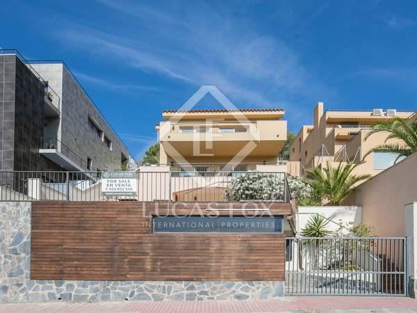 219m² House / Villa for sale in Levantina, Barcelona