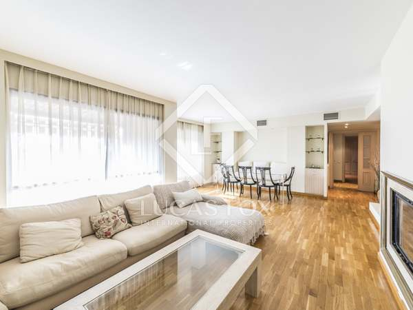 140m² penthouse to rent in Almagro, Madrid