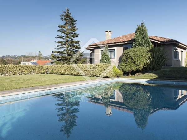 371m² House / Villa for sale in Pontevedra, Galicia