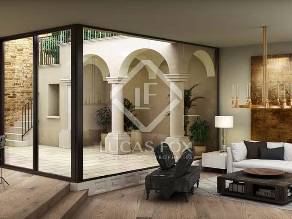 Huis / Villa van 691m² te koop met 250m² Tuin in Begur Town