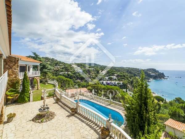Huis / Villa van 689m² te koop in Lloret de Mar / Tossa de Mar