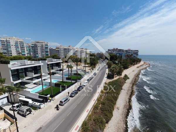 524m² House / Villa for sale in El Campello, Alicante