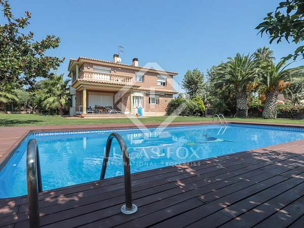 Maison / Villa de 450m² a vendre à Vilanova i la Geltrú