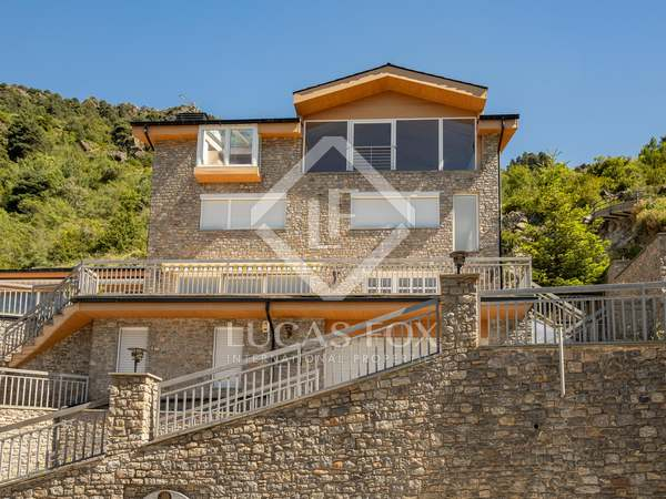 570m² House / Villa for sale in St Julià de Lòria, Andorra