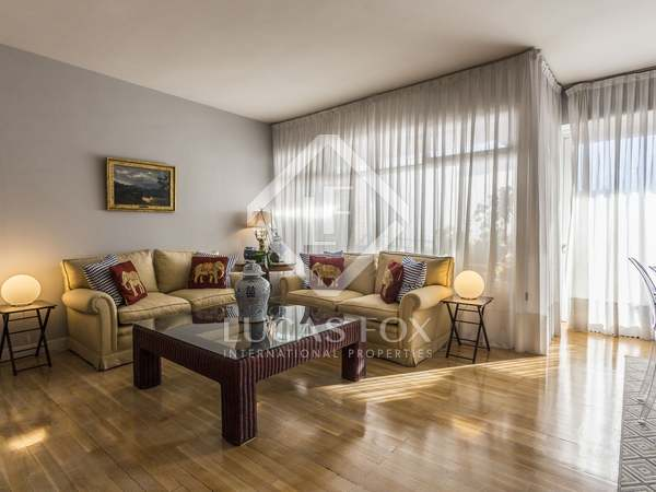 211m² Apartment with 21m² terrace for sale in Almagro