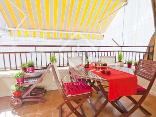 Comfortable three bedroom apartment for rent close to La Rambla.