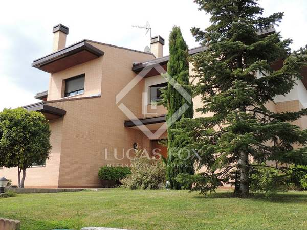 440m² House / Villa with 900m² garden for sale in Pozuelo
