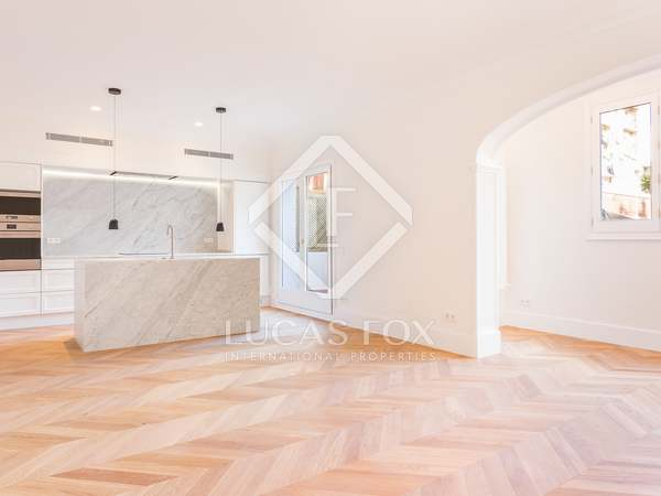 125 m² apartment with a terrace for sale in Eixample Left