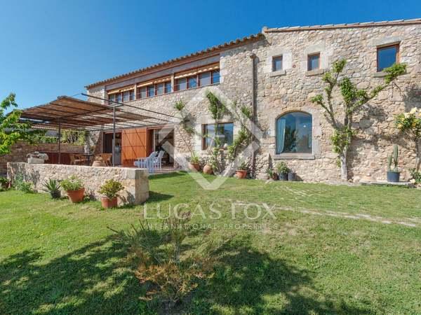 Casa di campagna di 577m² in vendita a Baix Emporda, Girona