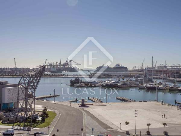 150m² Apartment for sale in Playa de la Malvarrosa