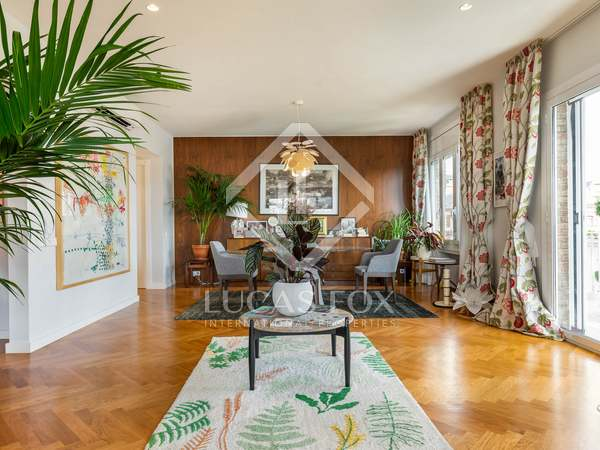 179 m² apartment with terrace for sale in Sant Gervasi