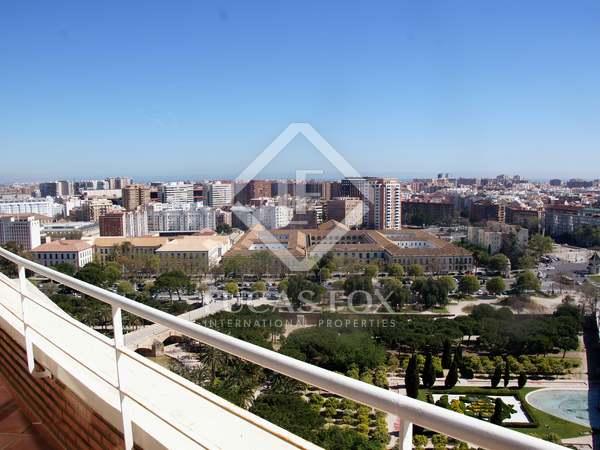 Impressive penthouse to rent on Gran Vía Marqués del Turia
