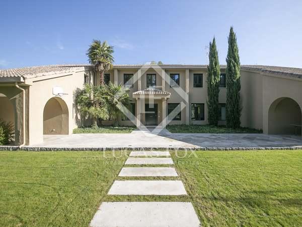 Villa moderna de 877 m² en venta en Somosaguas, Madrid