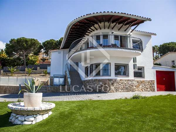 Costa Brava Villa to sell in Montgoda near Lloret de Mar